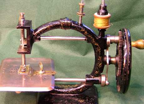 ANTIQUE SEWING MACHINESSEWALOT Cool Vintage Sewing Machines