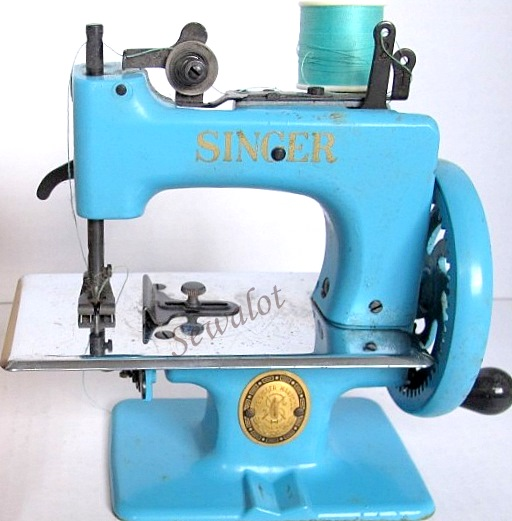 SINGER TOY SEWING MACHINE SEWHANDY SEWALOT Gorgeous Singer 20 Sewing Machine