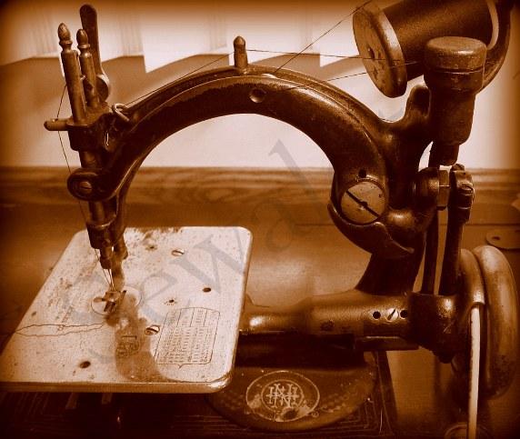 WILLCOX GIBBS WILLCOX GIBBS CHAIN STITCH SEWING MACHINE WG Adorable Sewing Machine Companies