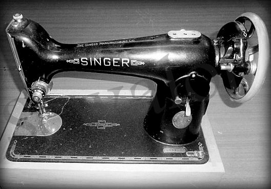 SINGER 40 SINGER 40K Stunning Singer Sewing Machine Model 201 Value