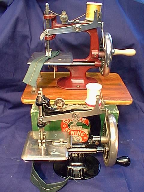 SINGER TOY SEWING MACHINE SEWHANDY SEWALOT Delectable Singer 20 Sewing Machine
